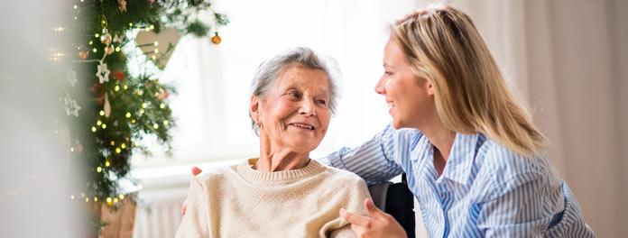 Cómo elegir interna para personas mayores en Madrid