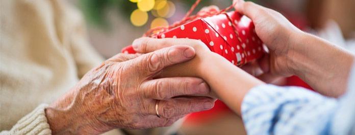 Cómo ayudar a los mayores para que disfruten de la Navidad