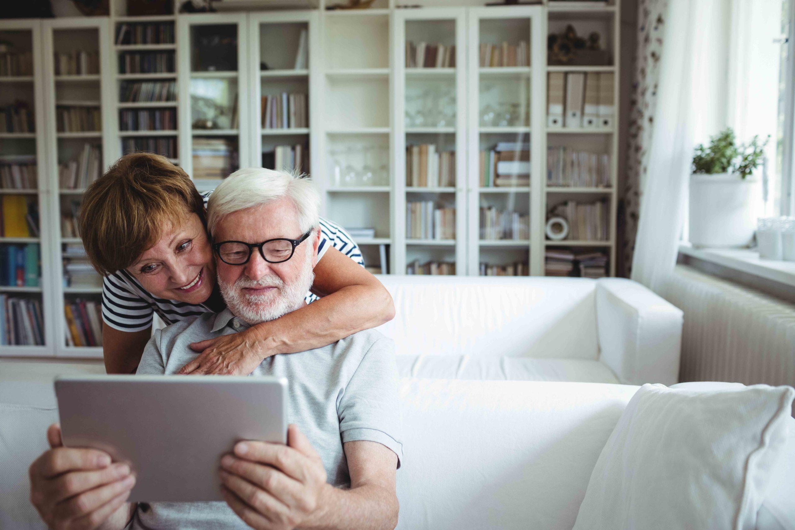 mayores con tablet